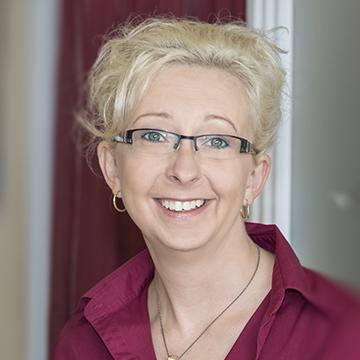 Iris Bröker